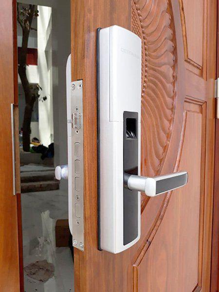 khóa cửa vân tay Dessmann S510 Silver<dataavatar hidden data-avatar-url=https://secure.gravatar.com/avatar/eda882626b32a9ee66c8427200a693af?s=96&d=mm&r=g></dataavatar>