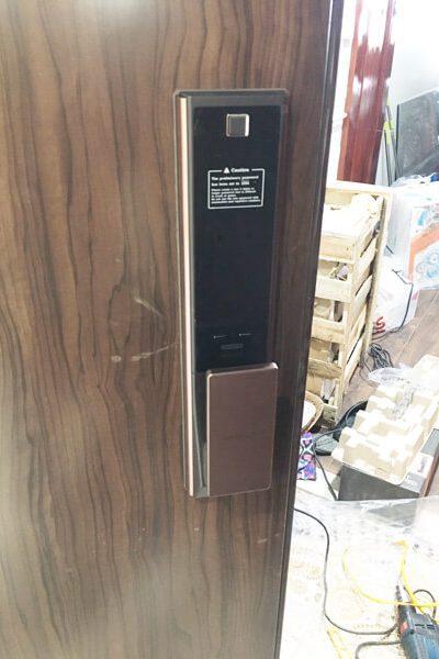 Samsung SHP-DP738<dataavatar hidden data-avatar-url=https://secure.gravatar.com/avatar/eda882626b32a9ee66c8427200a693af?s=96&d=mm&r=g></dataavatar>